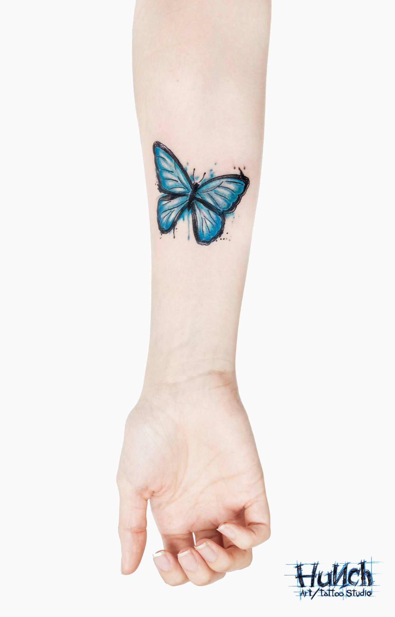 Эскизы бабочек с цветком для тату