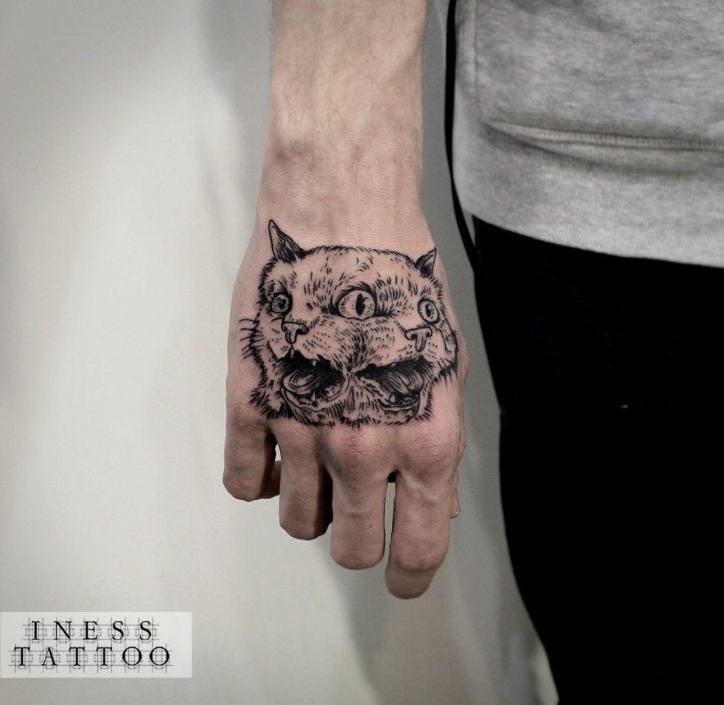 Татуировка на тыльной стороне ладони фото