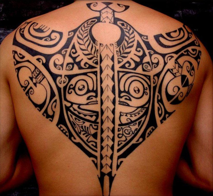 Полинезия тату фото на спине