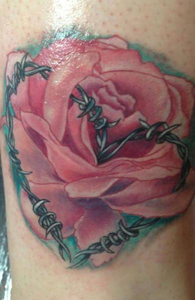 Татуировка колючая проволока