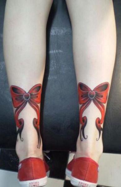 фото татуировка бантик