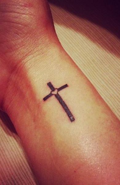 Татуировка крест