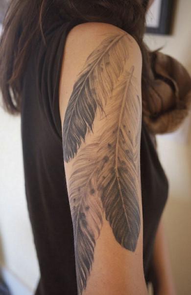 Татуировка перо