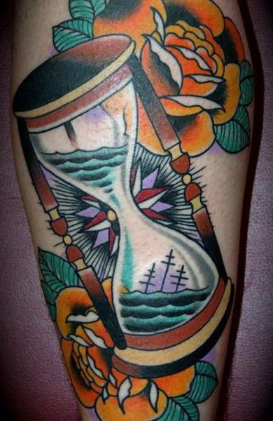 Татуировка песочные часы