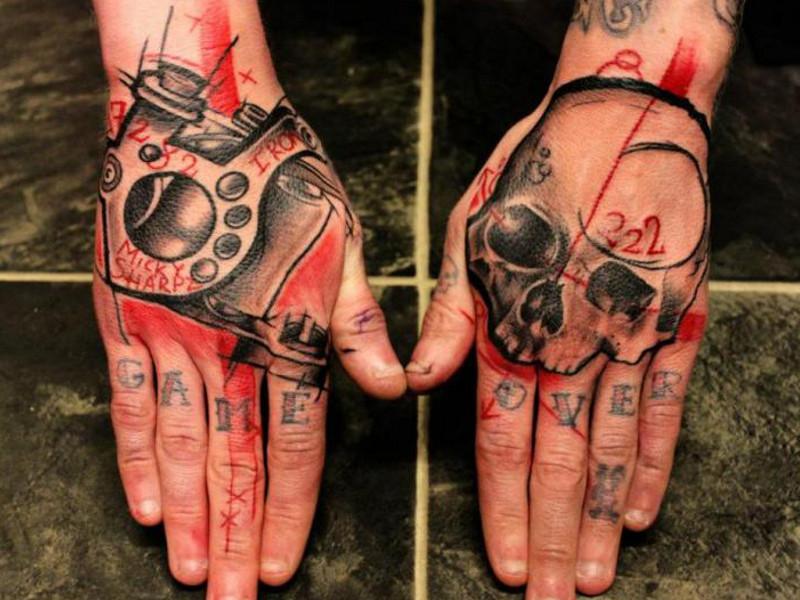 Фото татуировок на кисти руки 44