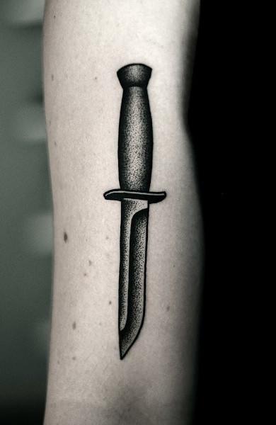 Татуировка нож