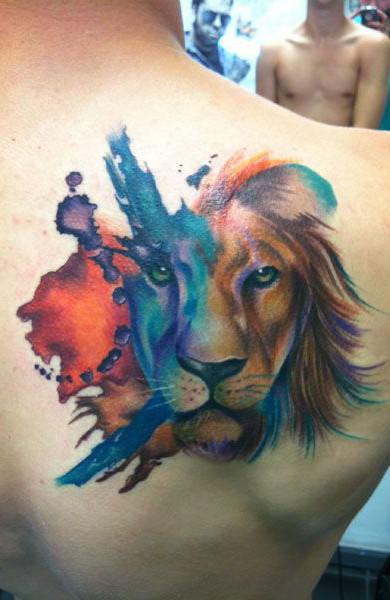 татуировка для девушки с знаком зодиака лев