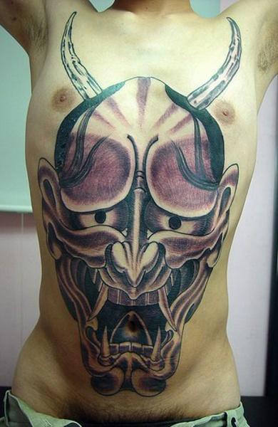 Татуировка на животе