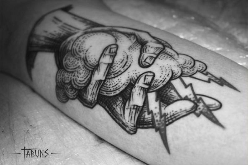 Татуировка молния