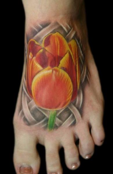 Татуировка тюльпан