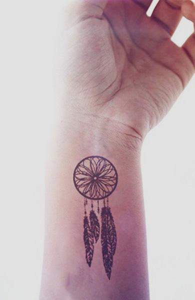 Татуировка на запястье ловец снов