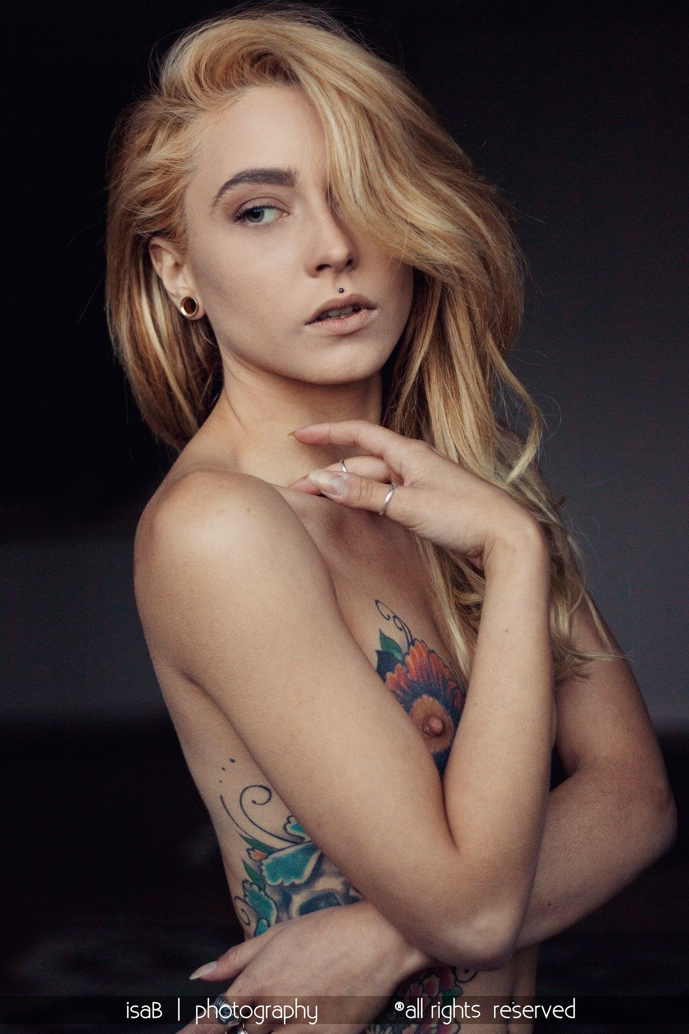 Stella Di Plastica nude 211