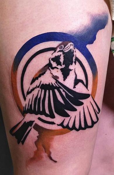 Татуировка в стиле трафарет