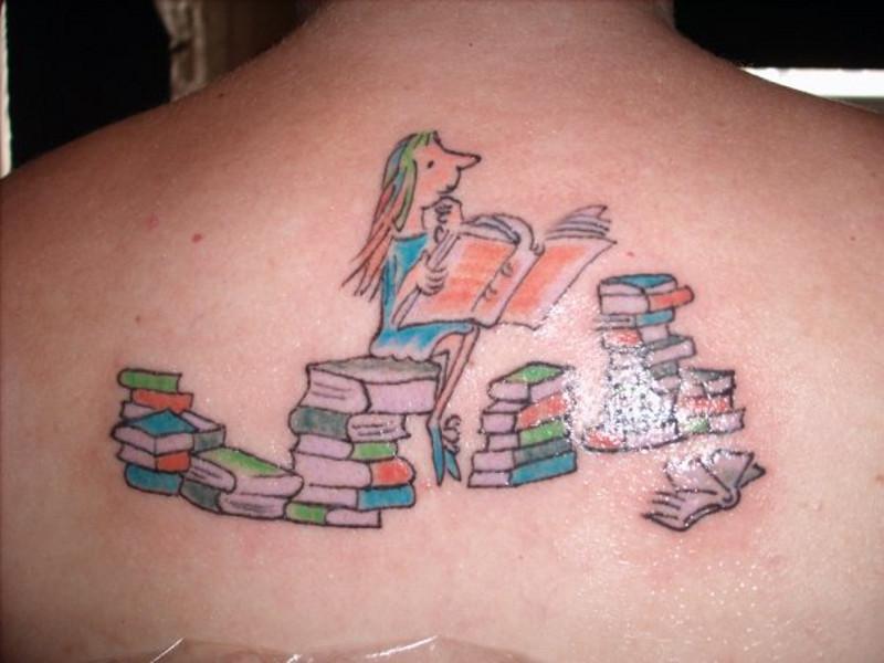Татуировка книга и ее значение