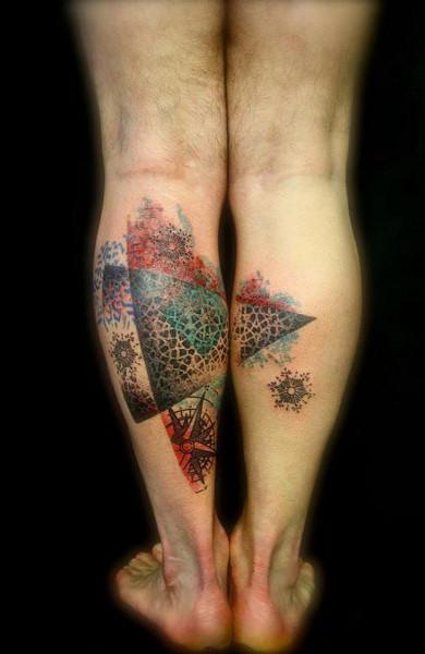 Татуировка на икре ноги