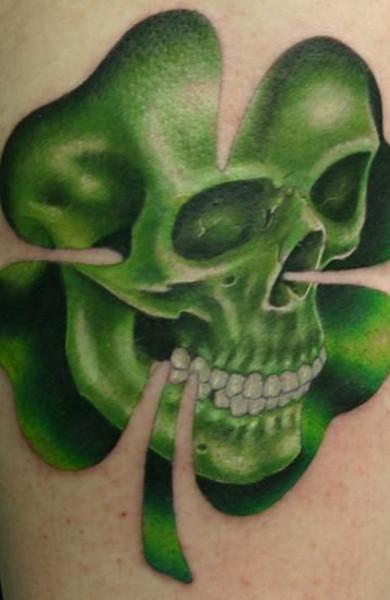 фото татуировка клевер