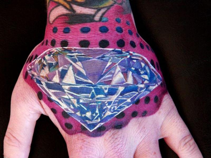Татуировка алмаз и ее значение