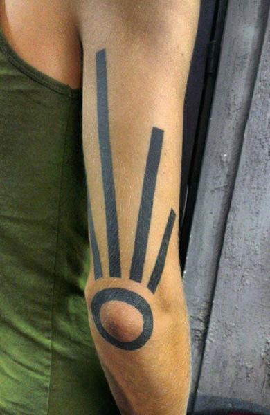 Татуировка на локте