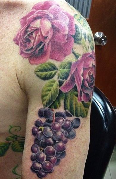 Татуировка виноград