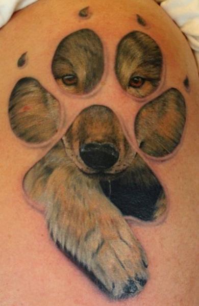 Татуировка лапа волка