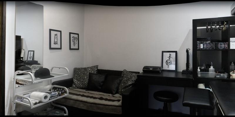 Внутри студии